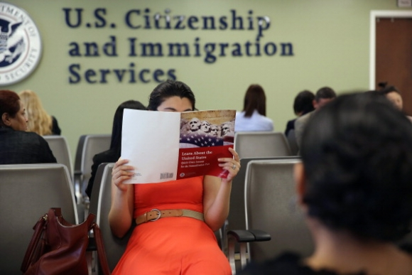 Green Cards Given to Foreign Investors Under Scrutiny